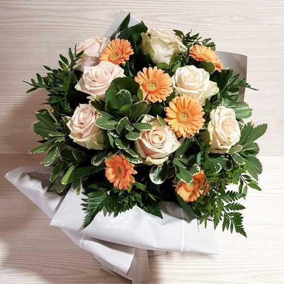 Mandare Fiori A Distanza.Bouquet Armonie Di Colori Consegna Fiori A Domicilio