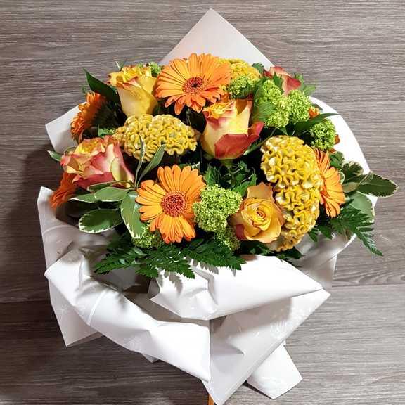 Mazzo Di Fiori Estivi.Bouquet Fiori Estivo Consegna A Domicilio In Giornata